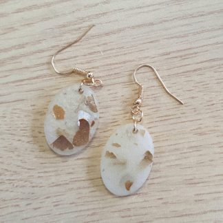 Golden oval dangle drop earrings featuring natural mica mineral flakes handmade by The Pea Hive
