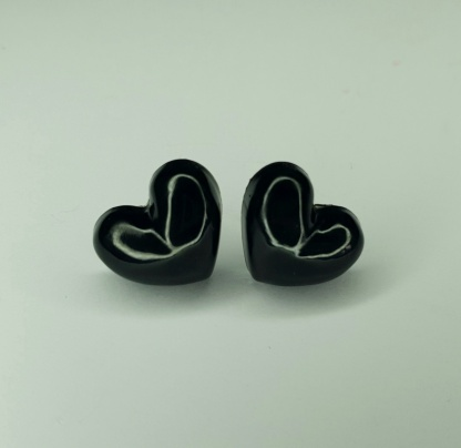 Black heart shaped 3D stud earrings handmade from casting resin by The Pea Hive